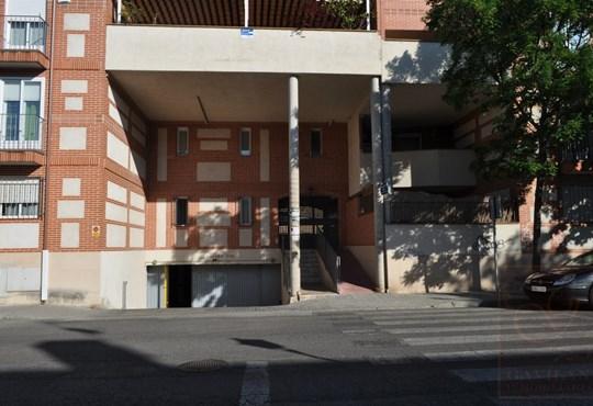 Garaje en alquiler en daganzo c valdeciprian for Alquiler plaza garaje madrid